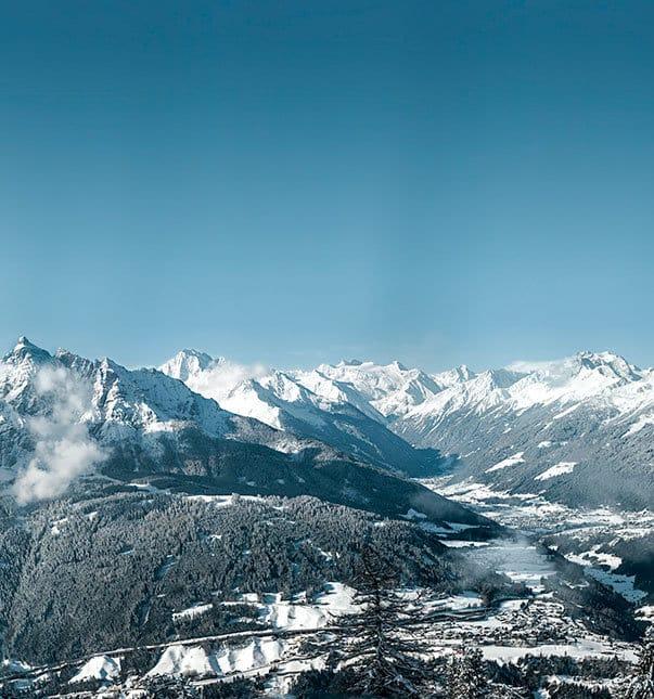 Sepp-und-Hannis-Winter-Landschaft-Stubai-Panorama