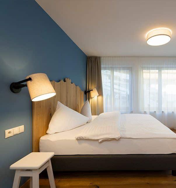 Sepp-und-Hannis-Suiten-im-Dorf-Minisuite-Kitzeben-Schlafbereich